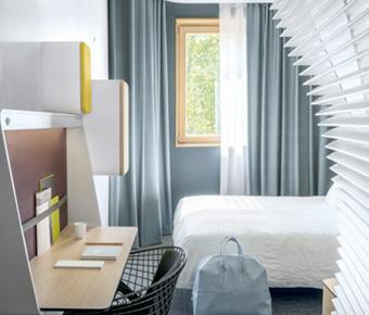 Une chambre de l'hôtel Okko à Grenoble