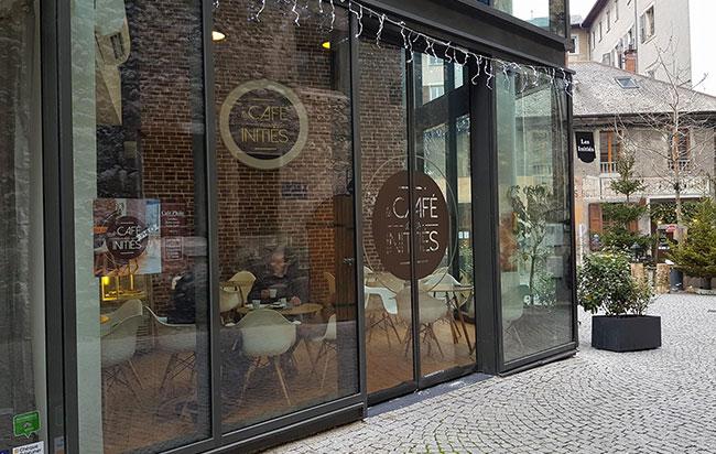 café des initiés
