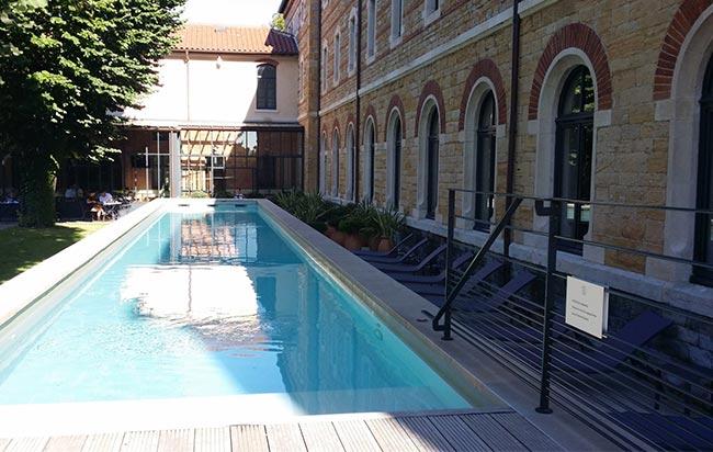 fourrière piscine extérieure