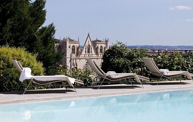 lyon hôtel piscine