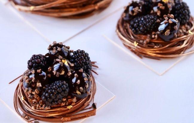 Le nid chocolat-mûres