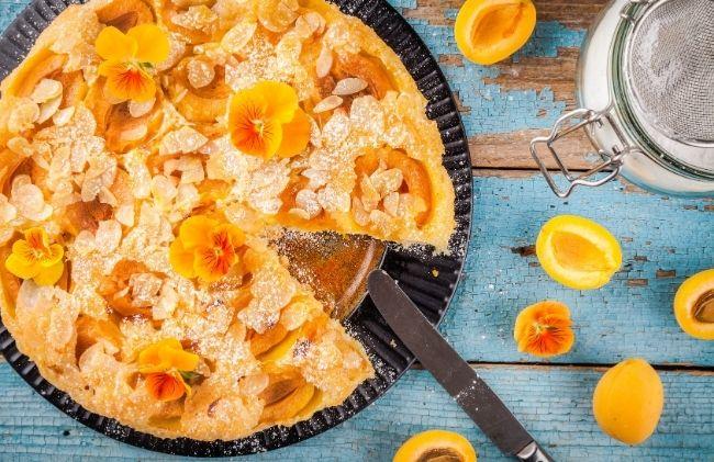 La tarte aux abricots et amandes